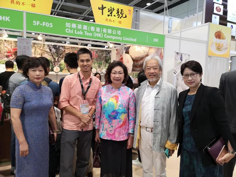 香港前特首夫人也爱喝古树茶